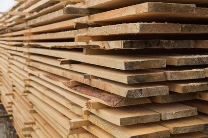 Ogromnie Ile trzeba zapłacić za drewno? Deski w każdym regionie Polski mają MX03