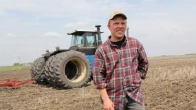 farmer, rolnik, pole, ciągnik